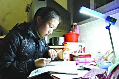 12岁最勇敢小女孩夏娟烈火中唤醒10余生命(图)