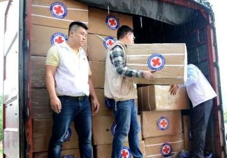 红十字第二批500万物资驰援贵州重灾区