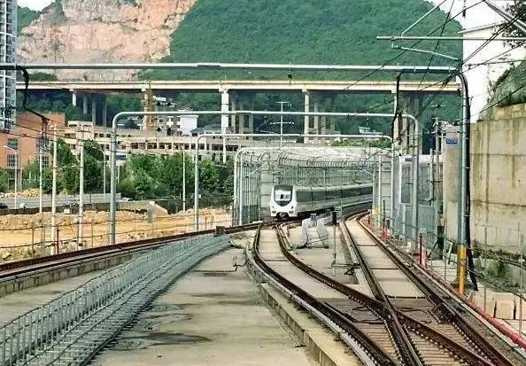 贵阳轨道交通1号线首通段明日启动空载试运行