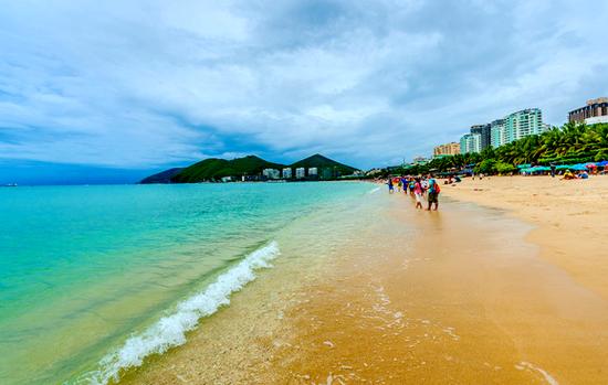 海南度假一房难求  旺季旅游行不通?