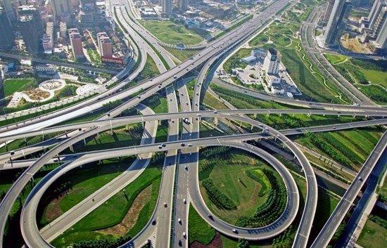 五里冲路出城向车辆   可由此匝道直上延安南路