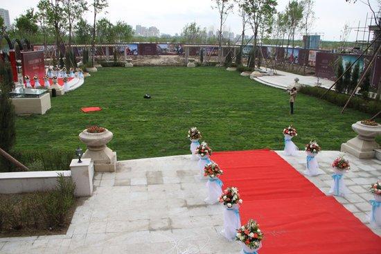 大庆市中心唯一湖景豪宅社区殿堂级样板段开放