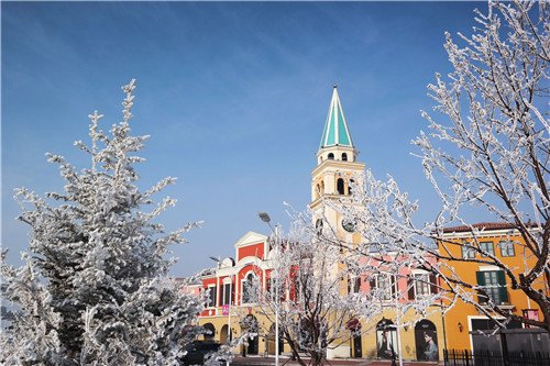 冰雪圣诞 百年老街上演枫叶小镇时尚盛筵图片