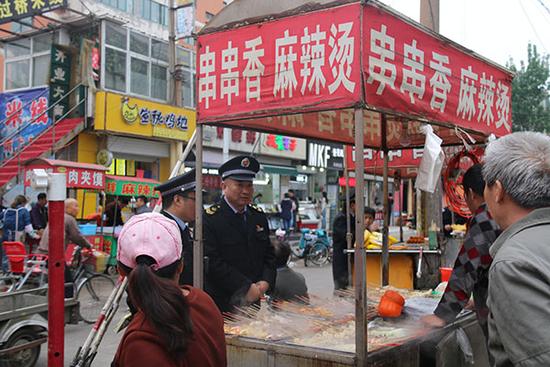 """邯郸:强化食品""""三小""""暨校园周边食品安全监管 助推全国文明城市创建"""
