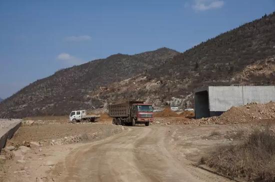 不再为堵车发愁啦!武安西部旅游专线正在施工