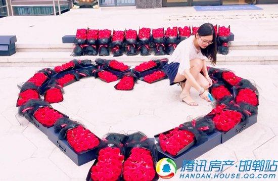 """七夕来临 邯郸""""花心哥""""同时向54位女子送花求爱!"""