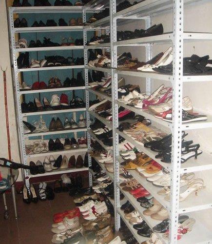 〔特色店铺〕外贸鞋店图片