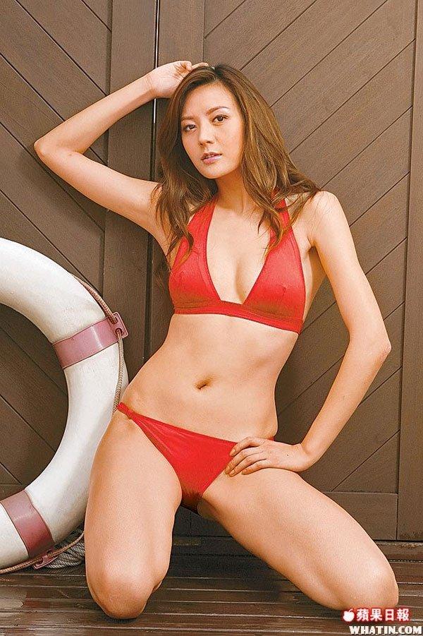 贵州美女周伟童性感泳装湿身写真