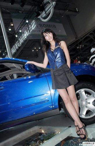 超美车模蓝衣丝袜诱惑
