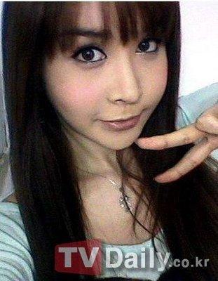 韩变性美女河莉秀自拍照
