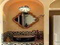 地中海混搭展现魅力 蓝白色彩构建时尚气息