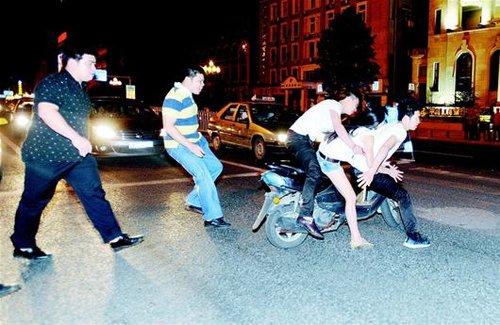 武汉缓急方模整顿治水小型摩托车 无证驾车壹律羁剩