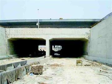 武汉东沙大道贯通 全长1.8公里计划9月通车