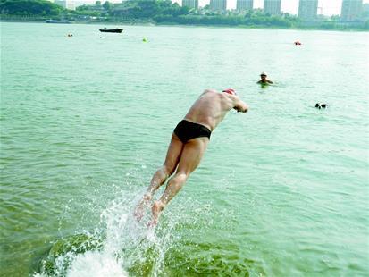 36.7℃高温天气来了 宜昌今起3天有雨难降温