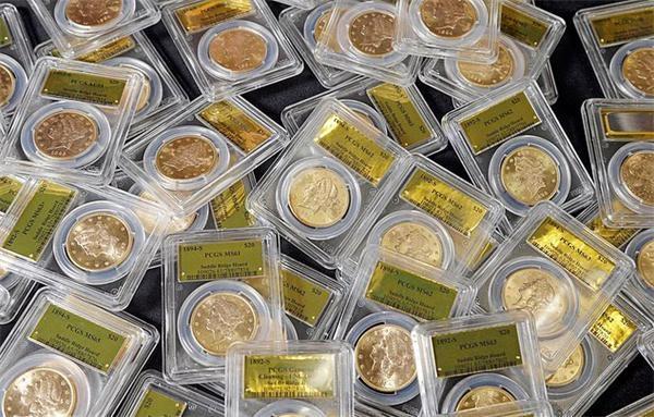 美夫妇后院挖出1400枚金币 价值1100万美元