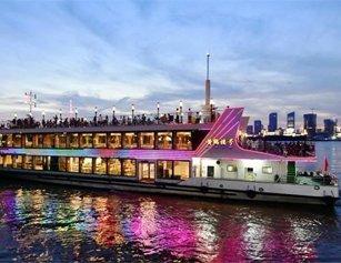 武汉两江游览游船昨夜复航