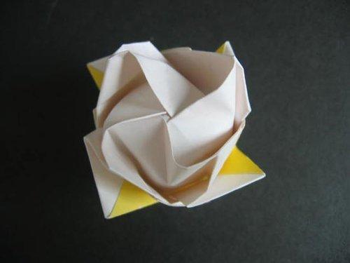步步图解 教你diy折纸玫瑰图片