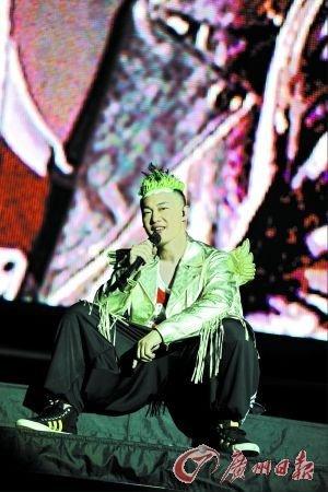 陈奕迅伦敦个唱破GAGA销售纪录 公开向老婆示爱