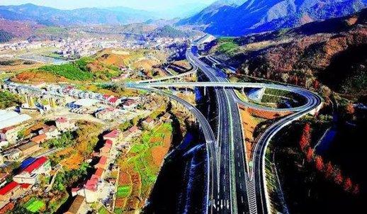 襄阳境内三条高速全线提速 司机可全线高速畅行
