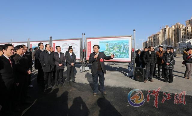 """""""在襄樊大道环城东路段,一系列极具襄阳特色的公共设施引起了谷城团图片"""