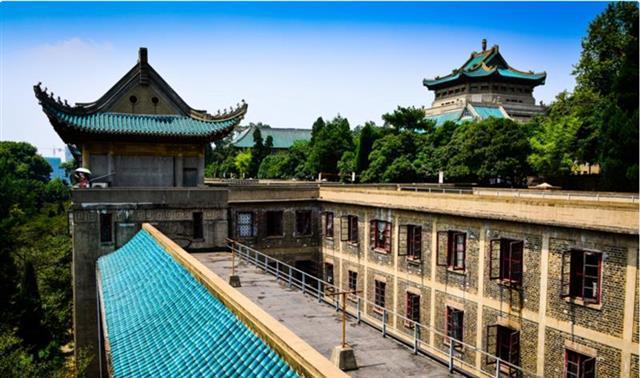 武汉大学将实行三学期制 目前在校生培养方案不变