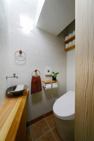 不到1平米!日本迷你卫生间的超牛搭配