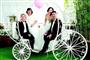 35对已婚多年夫妻办集体婚礼 母女同一天穿婚纱