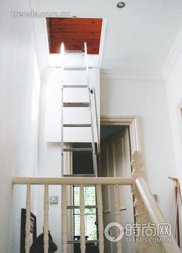 最节省空间的楼梯    门厅楼梯装修效果图:并不是所有有楼梯的房子都
