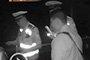 男子醉酒后驾车被查获 妻子为民警点赞称抓得好