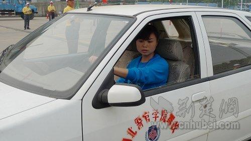大车教练车档位操作示意图-湖北省举办机动车驾驶员培训教练员技能图片