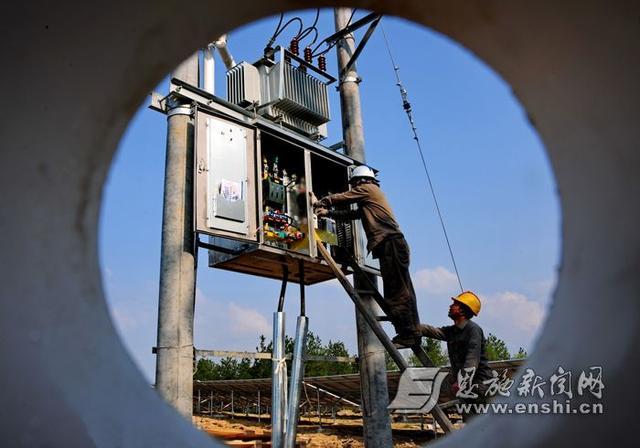 巴东首批40个村级光伏电站全部按期建成并网发电