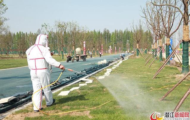 """潜江对""""潜马""""赛道周边20余处区域进行蚊蝇消杀"""