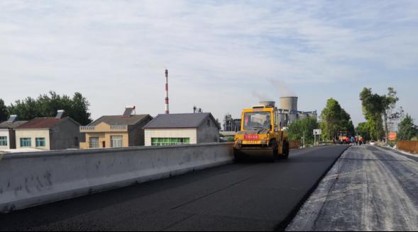 潜江总干渠连心桥主体工程己完工