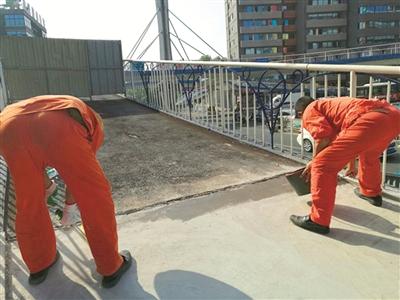 宜昌云集天桥一坡道有拱起迹象 15日将恢复通行