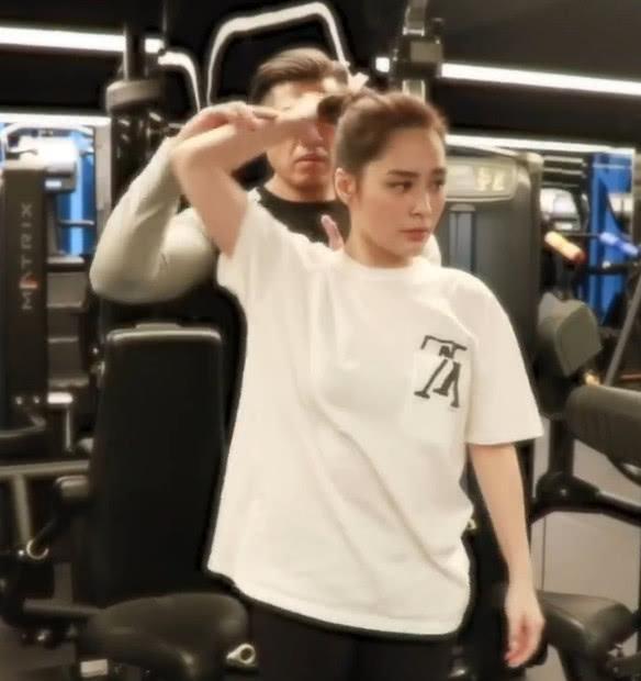 阿娇去健身房卖力锻炼 定目标要为结婚减到90