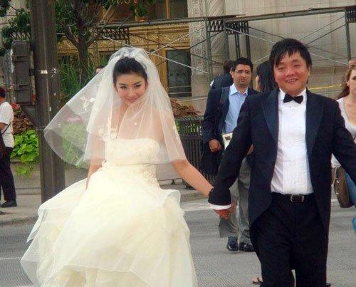 结婚,并创造了相识41天便闪婚的记录.但对于这组婚纱照的曝高清图片