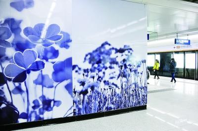 水墨画文化墙。记者詹松摄