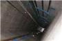 电梯门开了电梯却没到 荆州一男子从6米高坠落