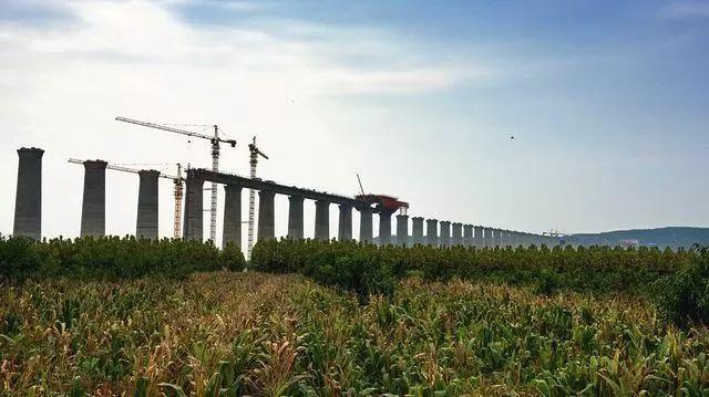 蒙华铁路开始全线铺轨 建设进入新阶段