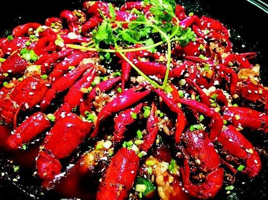 今夏小龙虾成餐饮巨星 花样百出的小龙虾吃法