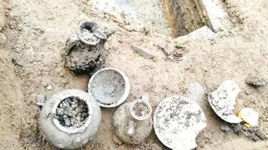 孝感发掘2座北宋古墓 或为夫妻异穴砖室合葬墓
