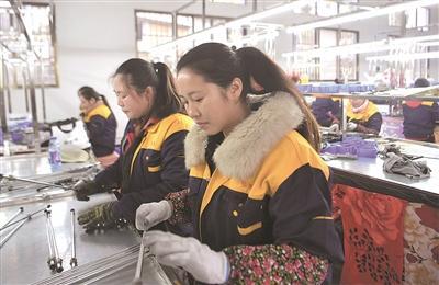 东西部扶贫协作显成效  带动当地群众就业脱贫