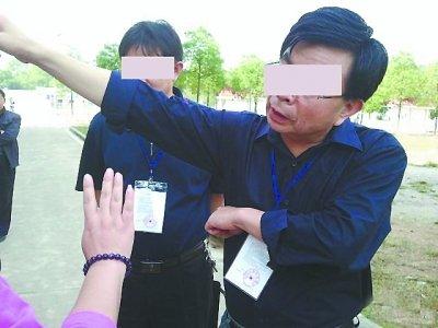 武汉考生被巡查人员打耳光 网友发帖曝光(图)