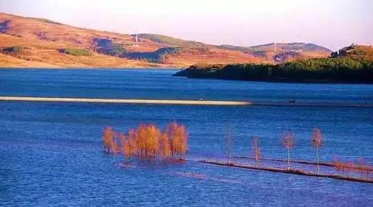 最神奇的湖 能照出你最思念的那个人!