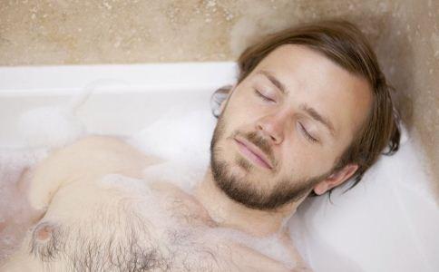 洗澡的禁忌有哪些 洗澡要注意什么事项 洗澡有哪些禁忌