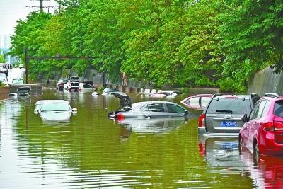 暴雨致全市25处道路断交 汛期闸口关闭为主因