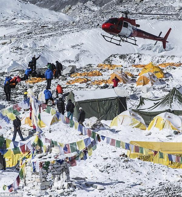 统计:2015首次无人登顶珠峰 死亡率最高