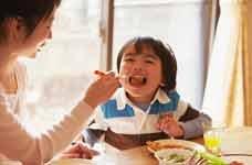 重点2 给宝宝丰富的食物以防止营养不良