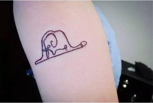 半永久纹身,汐子选的tatto较小清新,现在网上很流行这种小清新图案.
