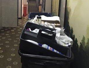 自家楼下变酒店客房 业主和酒店住客共用电梯